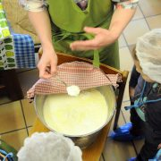 fabrication-fromage-enfants-ecoles